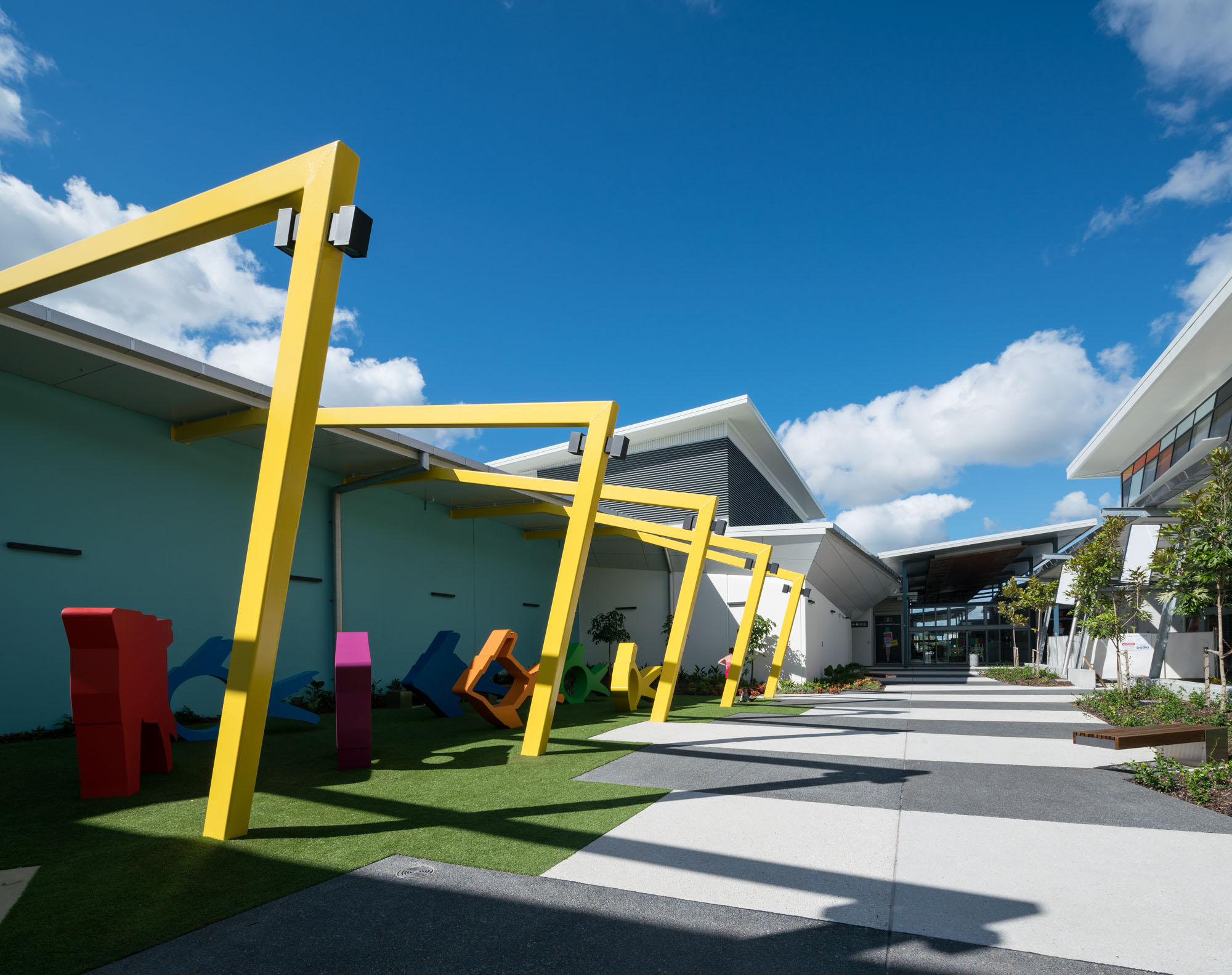Our skygate dfo project wins pca retail property award thomson